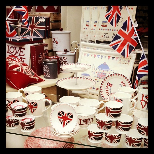 Union Jack patterned souvenirs